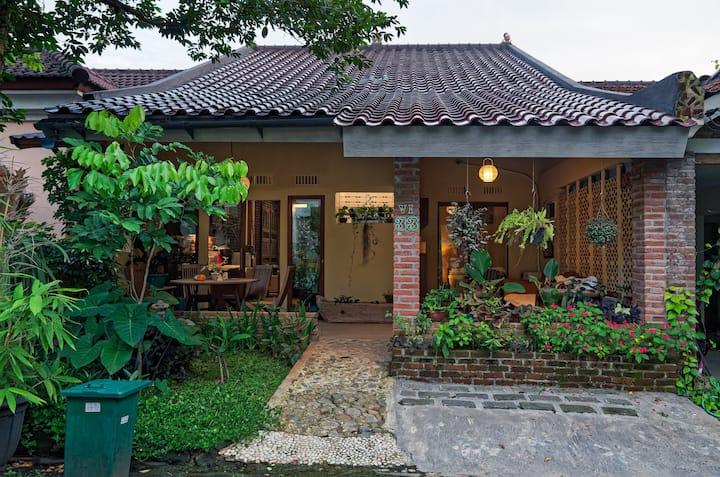 Pondok Pakuan, your beautiful indonesian home