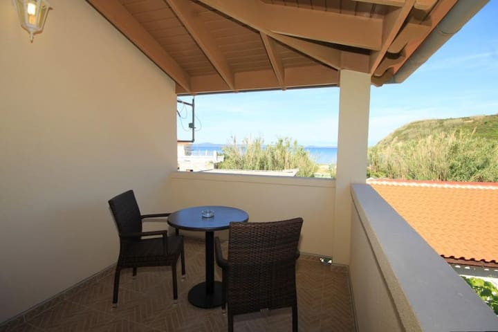 One bedroom apartment with terrace and sea view Susak, Lošinj (A-8050-b)