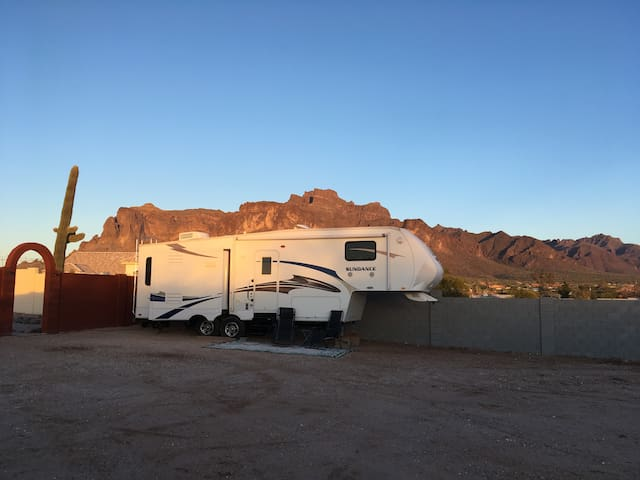 Superstition Mountain Private Retreat