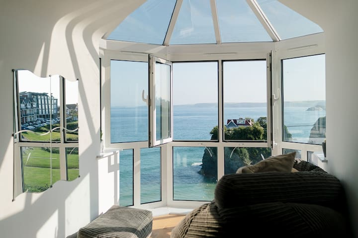Stunning Sea View Apartment, Free Parking, Newquay