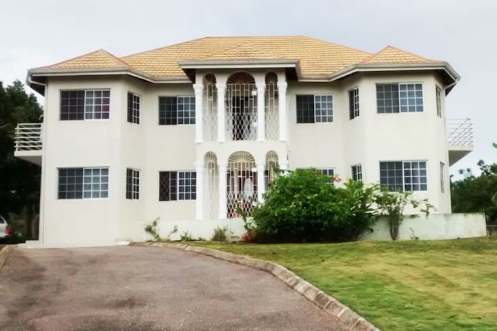 Brumalia Guest House, Mandeville, Jamaica