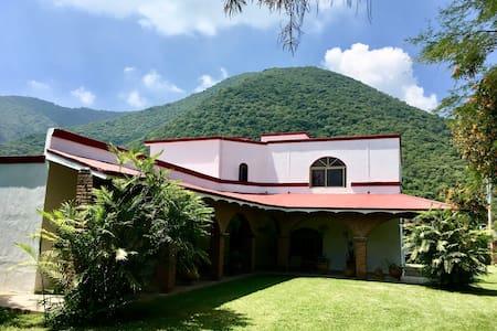La Casa de Los Abuelos