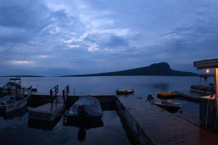 #5 Rockwood Cottages - Moosehead Lake Maine