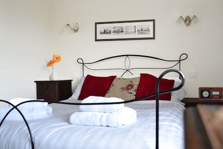 Five Bells Wickham | Garden View Double Room