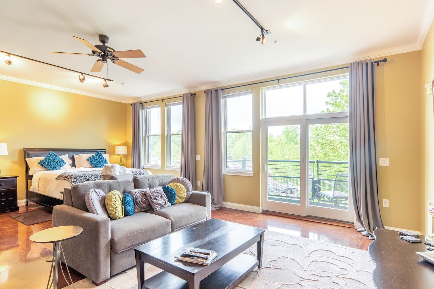 Spacious, comfortable and smartly appointed living space. Abundant natural light and dark curtains for restful sleep in amazing Sealy King-size bed.