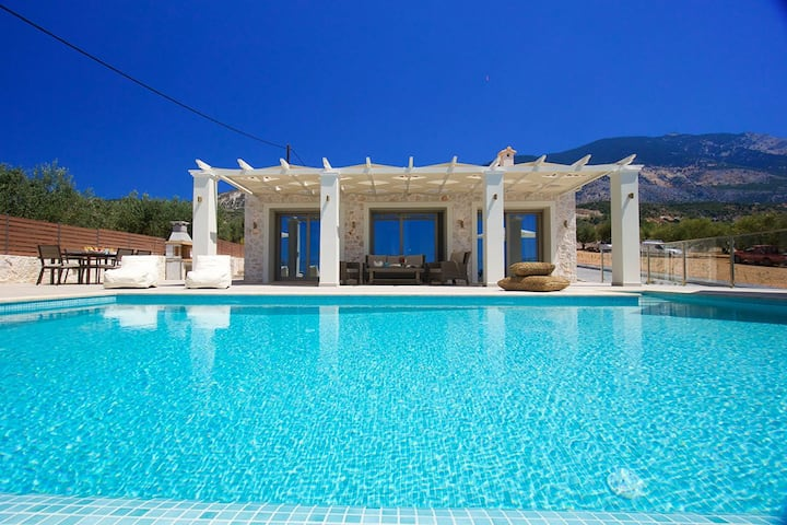 Secluded Luxury Family Villa Kalli in Kefalonia