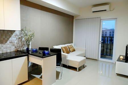 Cozy Studio Apartment with Balcony - Gading Serpong, Tangerang - Byt
