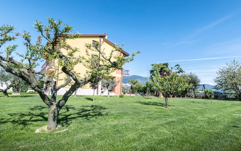 Private room, breakfast and parking near Assisi