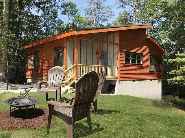 Scenic Sunset Cabin RRG, hot tub, no cleaning fee!
