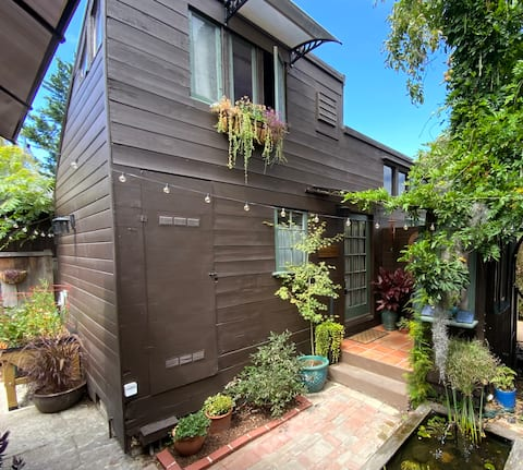 Cottage Retreat w/Private Garden,Steps from Shops!