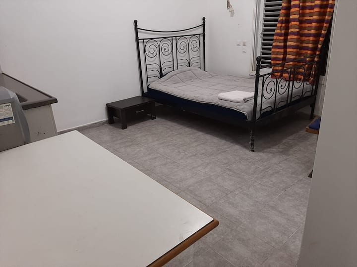 Adorable Apartment! Best location! 10 min from TLV