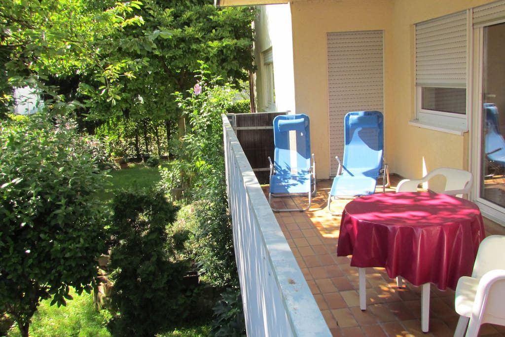 Großer Süd-Balkon.