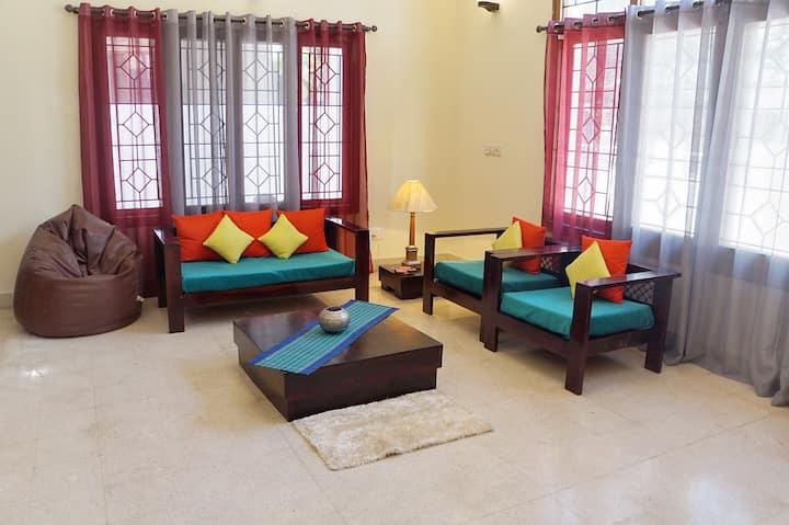 HomeSlice Èspacio - Private room in a bungalow