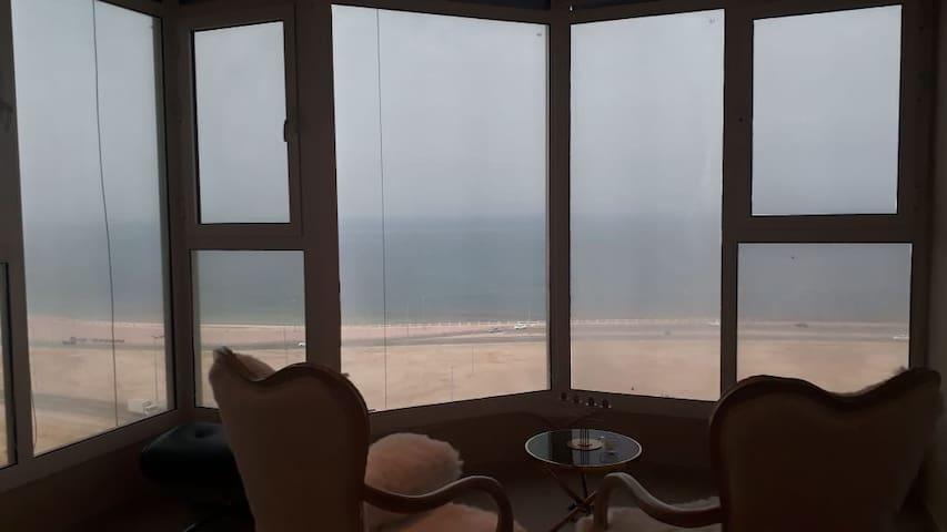 Sea view calm apartment
