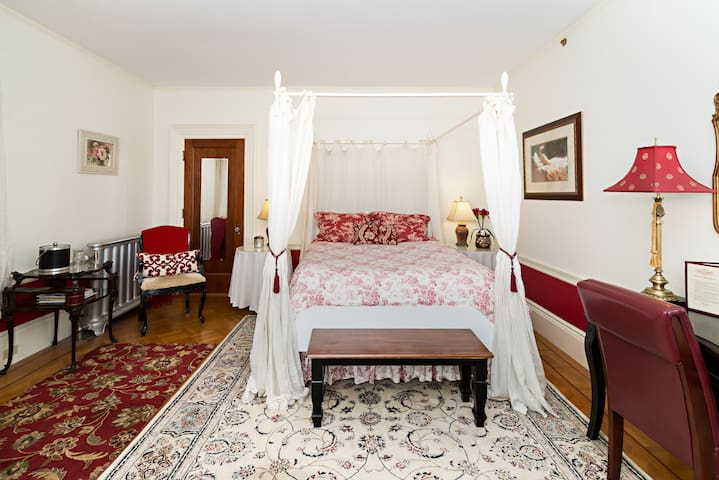 The Duchess - Dover - Bed & Breakfast