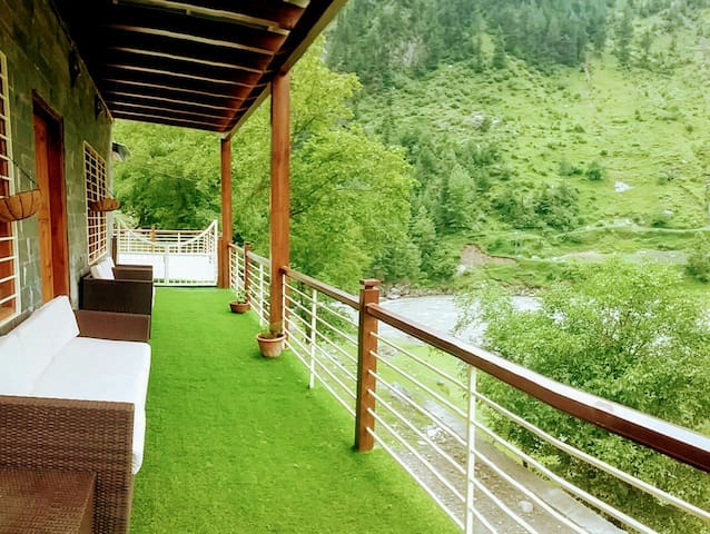 Kaghan Cottage - On bank of River Kunhar
