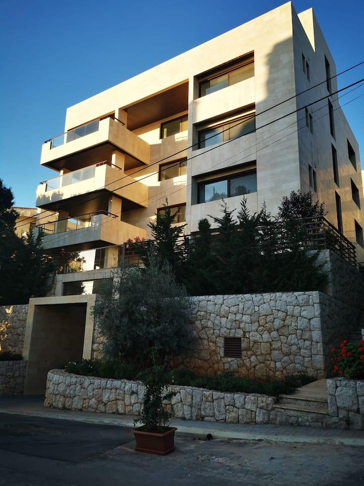 Ajaltoun-Ballouneh Spacious rooftop-newly built