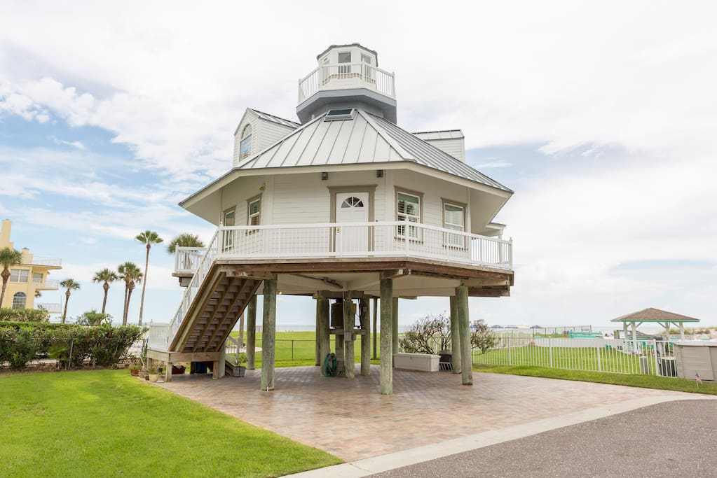 Unique Oceanfront Lighthouse ~ BEST RATES EVER! - Houses for Rent in ...