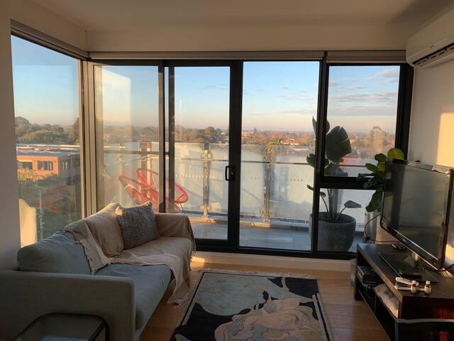 Water views, modern, bright and light Elsternwick