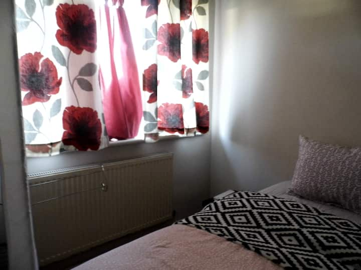 Cosy room near the university Southampton area