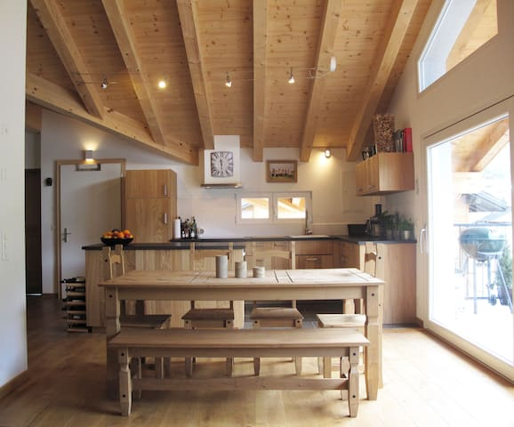 Sunny Penthouse Apartment perfectly located - Bagnes - Lägenhet