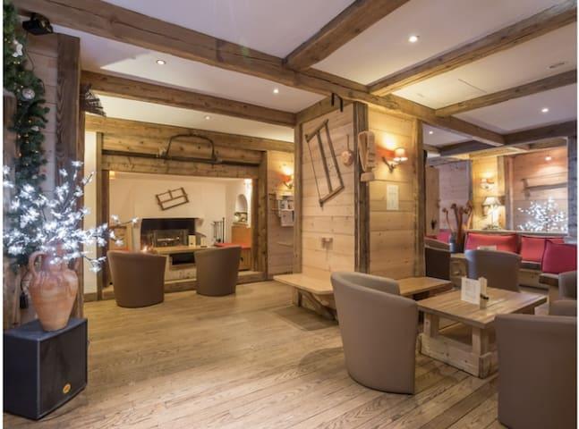 Grand studio dans chalet savoyard - Megève - Apartment