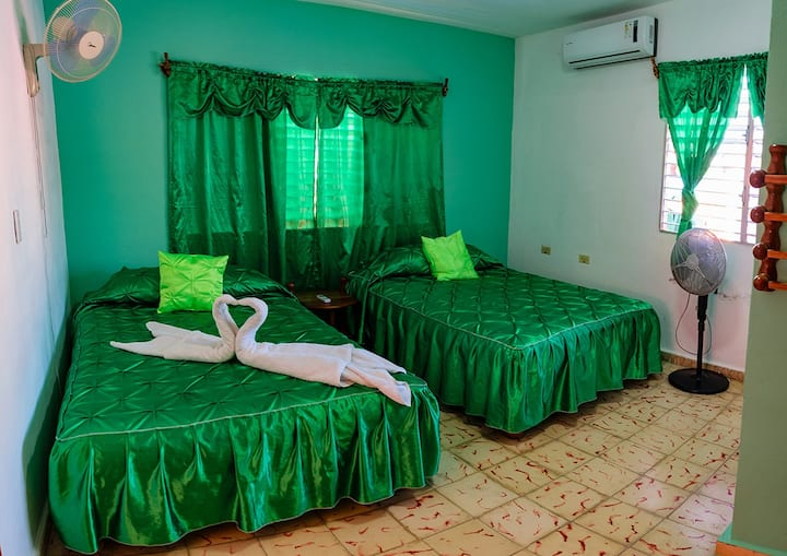 Hostal Yudeysis - ROOM 1