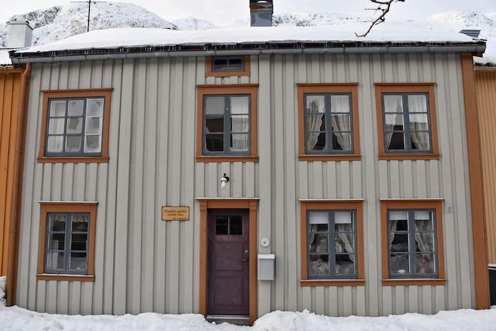 Aabakken II - en perle i Sjøgata (Mosjøen sentrum)