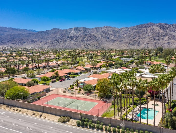 LaQuinta home centrally located