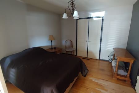 close to cs airport, 420 friendly cozy lil space