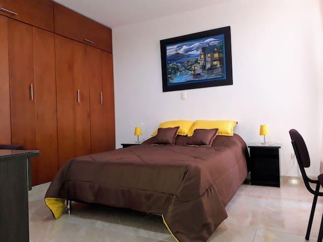 Habitación con baño privado, AA, Wifi, cable y Smart TV