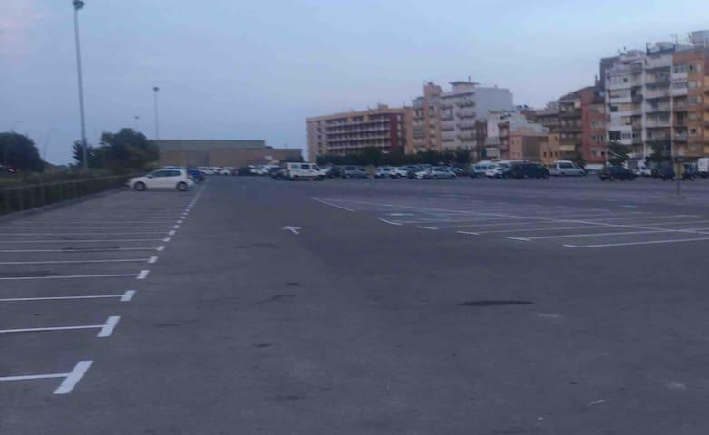 Parking Municipal gratuito al lado del Edificio