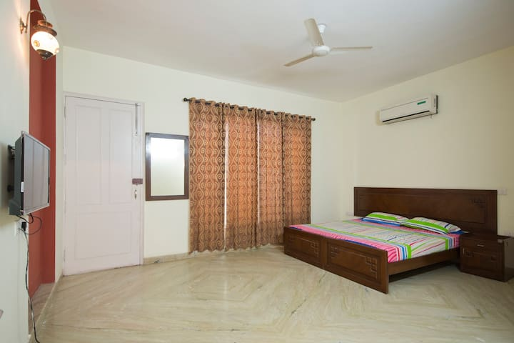 Best Place to Stay in Gurgaon