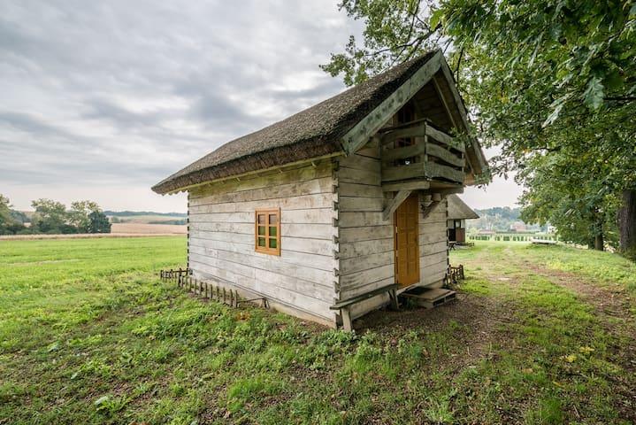 Drewniany Domek przy Starym Folwarku - Machnice