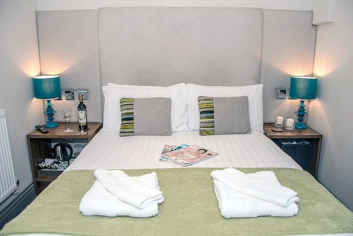 Chester - Cosy Double Room with En-suite