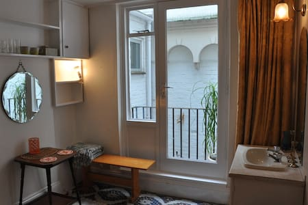 Cosy little double by the beach - Brighton - Bed & Breakfast