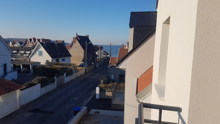 appartement  neuf 65 m2 2 chambres 100 m/ mer/wifi
