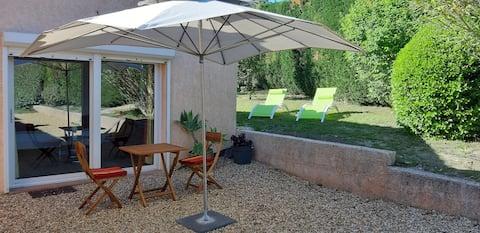 Appart T2-Calme-Terrasse-Jardinet- 5mn centre
