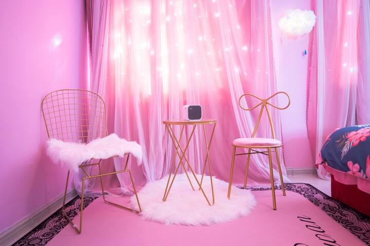 初见惊艳  粉色火烈鸟主题大床 爱情与幸福的碰撞