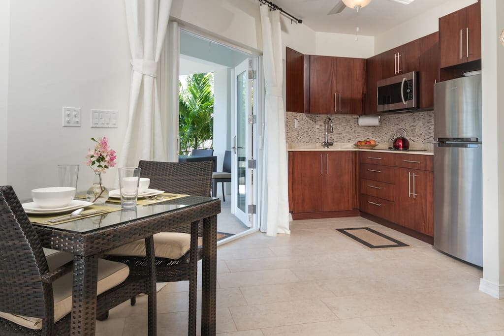 Kitchenette and eating area