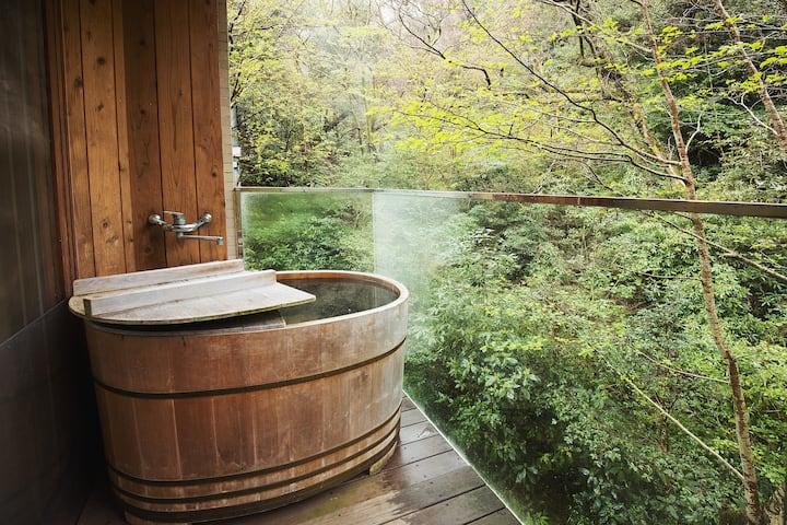 Hakone resort. Natural hot spring.