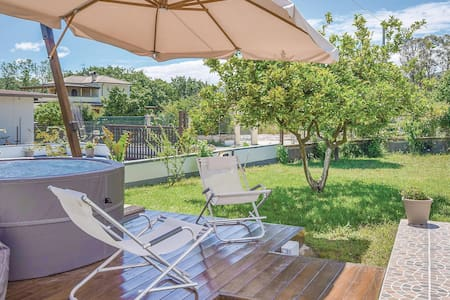 Semi-Detached with 2 bedrooms on 65m² in S.Marco Castellabate