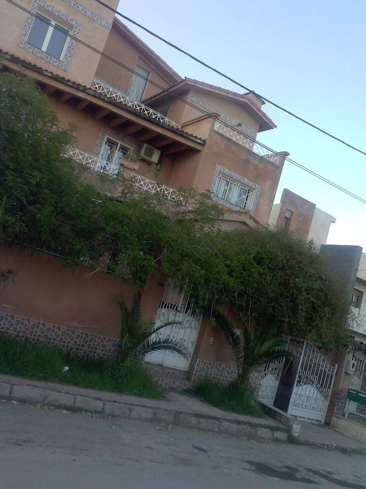 loft  dans villa 2 etages  duplex