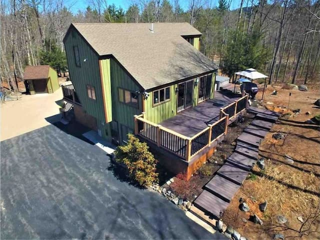 Large home near Ossipee Lake and Conway, NH