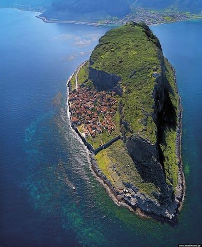Monemvasia_aerial