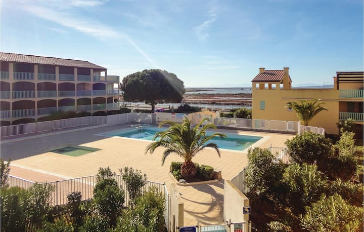 Amazing apartment in Gruissan with Outdoor swimming pool, 0 Bedrooms and Outdoor swimming pool