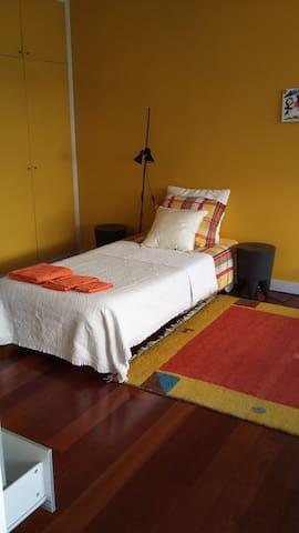 Leça da Palmeira Porto Suites 02 :) - Leça da Palmeira - Rumah