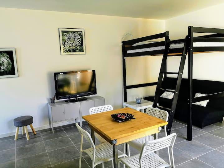 Studio (bis) indépendant avec jardin LA ROCHELLE