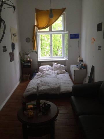 Cosy room in Kreuzberg