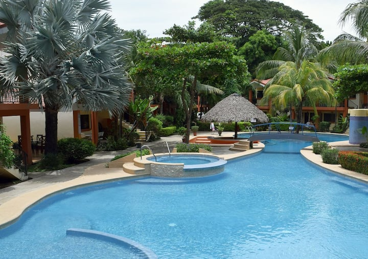 Cocomarindo Vacation, 1 BR, upper floor (58)